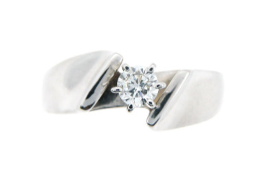 Brilliant cut diamond engagement ring in white gold.