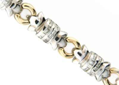 Diamond bracelet in yellow and white gold.
