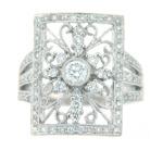 Diamond filigree ring in white gold.