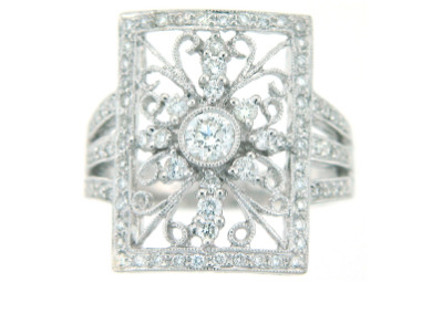 Diamond filigree ring in white gold.