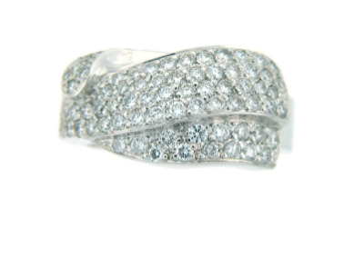 Pavé set diamond ring in white gold.